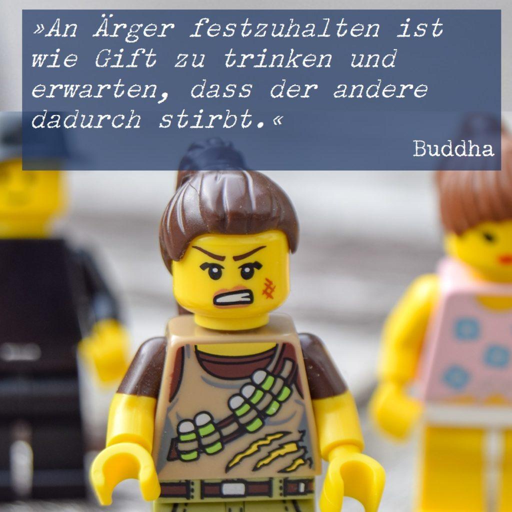 Legofigur schaut böse